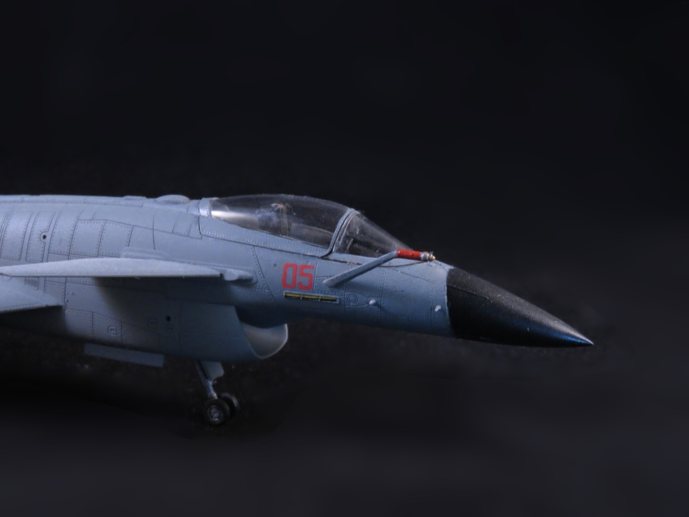 Neu Trumpeter 01651-1:72 Chinese J-10B Fighter